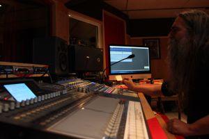 LUTDENMM - Sound Of The Kings Studios (3)