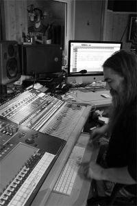 LUTDENMM - Sound Of The Kings Studios (6)